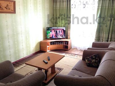 2-комнатная квартира, 47 м², 3/5 этаж посуточно, проспект Республики 14 за 6 000 〒 в Шымкенте