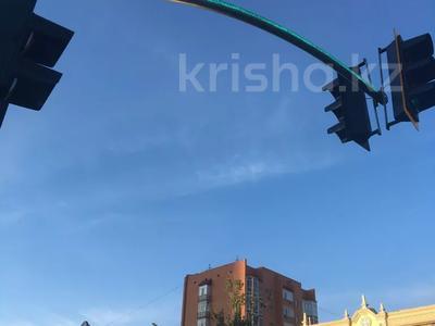 3-комнатная квартира, 140 м², 8/9 этаж, Рамазан (Набережная) 33 — Республики за 52 млн 〒 в Нур-Султане (Астана), р-н Байконур — фото 18