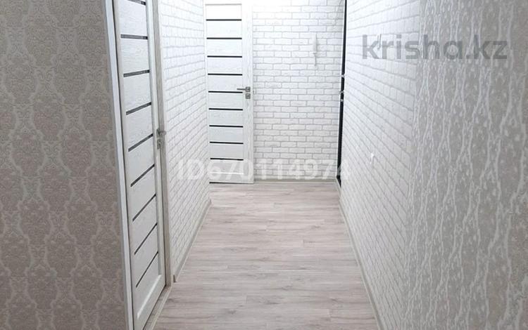 2-комнатная квартира, 43 м², 5/5 этаж, Самал 4 — Алдабергенова Конаева за 12.5 млн 〒 в Талдыкоргане, село Ынтымак
