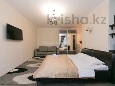 1-комнатная квартира, 45 м², 3/9 этаж посуточно, Сауран 2 — Достык за 10 000 〒 в Нур-Султане (Астана), Есиль р-н — фото 2