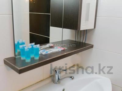 1-комнатная квартира, 45 м², 3/9 этаж посуточно, Сауран 2 — Достык за 10 000 〒 в Нур-Султане (Астана), Есиль р-н — фото 9
