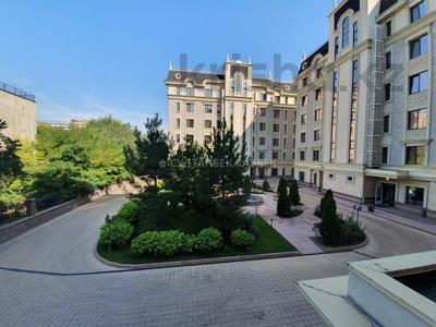 4-комнатная квартира, 212 м², 2/7 этаж помесячно, Чайковского — проспект Абая за 700 000 〒 в Алматы, Медеуский р-н