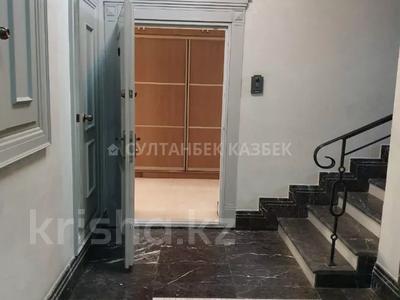 4-комнатная квартира, 212 м², 2/7 этаж помесячно, Чайковского — проспект Абая за 700 000 〒 в Алматы, Медеуский р-н — фото 4