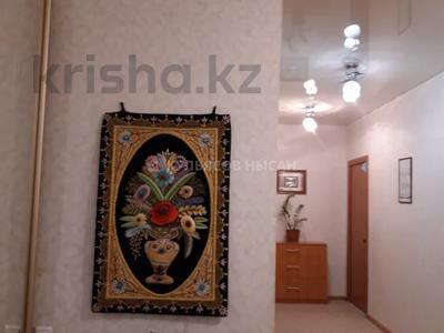 3-комнатная квартира, 92 м², 7/12 этаж, Кабанбай батыра за 28.4 млн 〒 в Нур-Султане (Астана) — фото 2