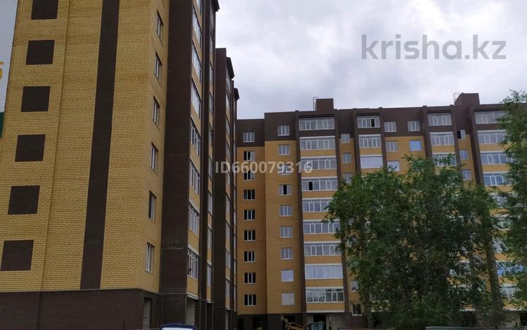 1-комнатная квартира, 44 м², 6/10 этаж, проспект Абулхаир Хана 177 за 11 млн 〒 в Уральске
