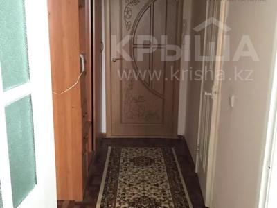1-комнатная квартира, 37 м², 3/5 этаж, Абылай хана 33 — Манаса за 11 млн 〒 в Нур-Султане (Астана), Алматинский р-н
