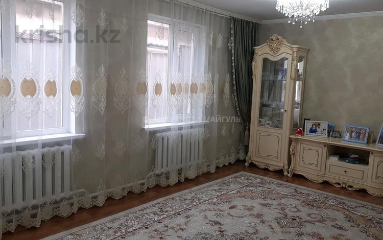 6-комнатный дом помесячно, 220 м², 8 сот., мкр Акжар 20 — Бекешева за 230 000 〒 в Алматы, Наурызбайский р-н