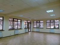 Здание, площадью 731 м²