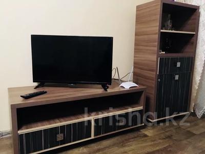 1-комнатная квартира, 45 м², 3/5 этаж посуточно, Ауэзова 49а за 6 000 〒 в Усть-Каменогорске
