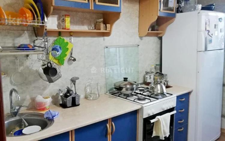 1-комнатная квартира, 40 м², 7/9 этаж, мкр Жетысу-2, Мкр Жетысу-2 за 17.5 млн 〒 в Алматы, Ауэзовский р-н