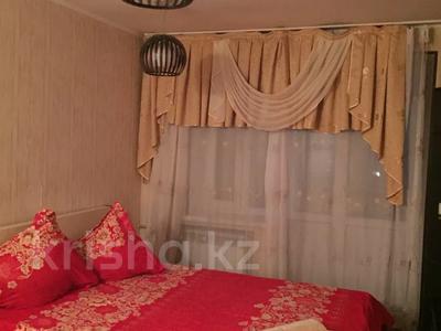 1-комнатная квартира, 38 м², 2/4 этаж посуточно, Аибергенова 8 — Республики за 7 000 〒 в Шымкенте, Аль-Фарабийский р-н