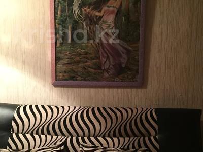 1-комнатная квартира, 38 м², 2/4 этаж посуточно, Аибергенова 8 — Республики за 7 000 〒 в Шымкенте, Аль-Фарабийский р-н — фото 2