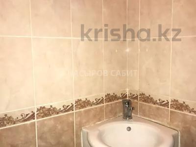 3-комнатная квартира, 74 м², 1/17 этаж, проспект Абылай Хана 5/2 за 25 млн 〒 в Нур-Султане (Астана), Алматы р-н — фото 2