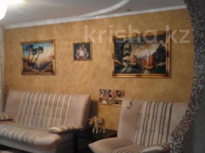3-комнатная квартира, 60 м², 6/10 этаж, проспект Тауелсыздык 293 за 12.5 млн 〒 в Павлодаре — фото 3