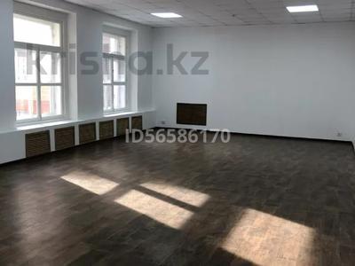 Здание, Академика Маргулана 91 площадью 550 м² за 2 400 〒 в Павлодаре — фото 3