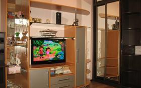 4-комнатная квартира, 93.5 м², 1/9 этаж, Хошимина 7к3 за 15 млн 〒 в Санкт-петербурге