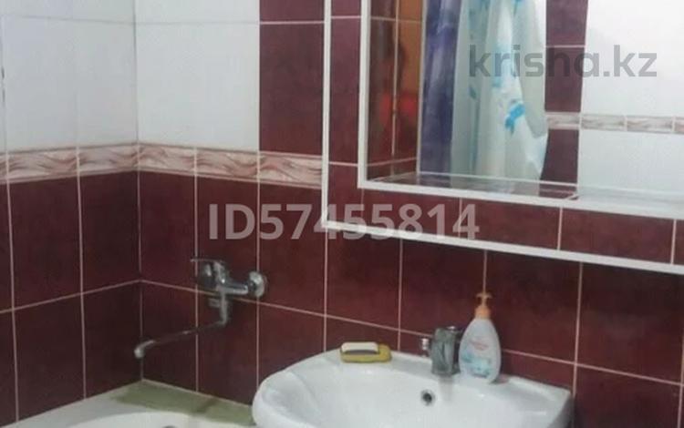 1-комнатная квартира, 30 м² посуточно, улица Айбергенова 5б за 8 000 〒 в Шымкенте, Аль-Фарабийский р-н