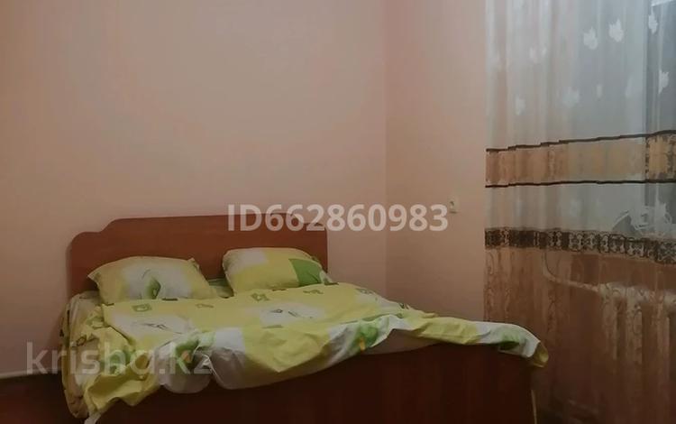 2-комнатная квартира, 55 м², 1/4 этаж посуточно, Абая 133 за 7 000 〒 в Таразе
