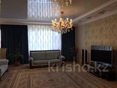 5-комнатная квартира, 230 м², 10/12 этаж помесячно, Достык 13 за 400 000 〒 в Нур-Султане (Астана), Есиль р-н