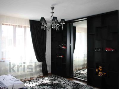 5-комнатный дом, 247 м², 10 сот., Муратбаева за 60 млн 〒 в Талгаре — фото 2