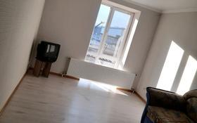 2-комнатная квартира, 60 м², 7/9 этаж помесячно, Нажимеденова за 110 000 〒 в Нур-Султане (Астана), Алматы р-н