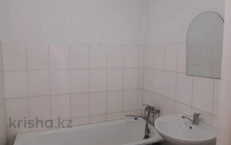 1-комнатная квартира, 41 м², 2/6 этаж, мкр Жулдыз-1, Лавренева за 12.4 млн 〒 в Алматы, Турксибский р-н