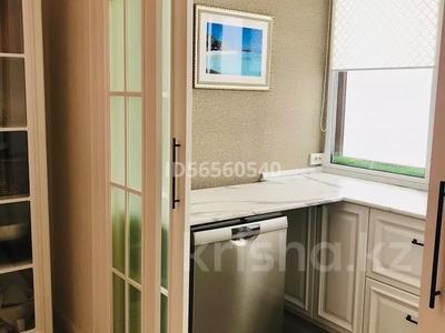 3-комнатная квартира, 120 м², 7/8 этаж, Мухамедханова 21 — Айтеке би за 53 млн 〒 в Нур-Султане (Астана), Есиль р-н — фото 10