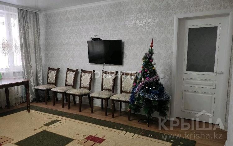 4-комнатный дом, 90 м², 5 сот., мкр Новый Город, Айвазовского за 30 млн 〒 в Караганде, Казыбек би р-н