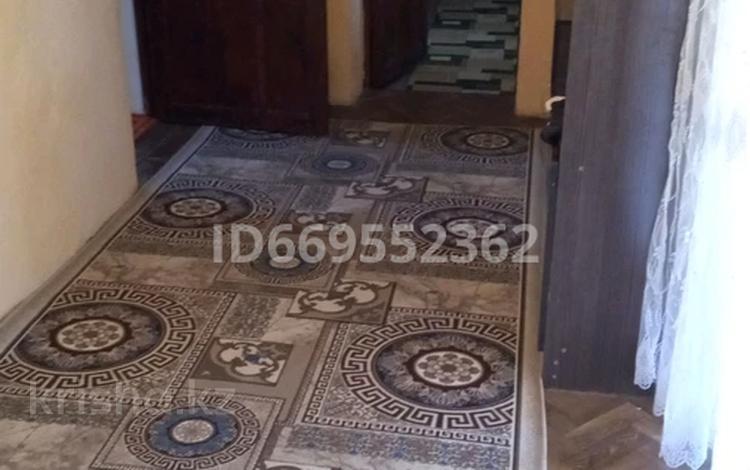 4-комнатный дом, 82 м², 8 сот., мкр Достык 387 за 18 млн 〒 в Шымкенте, Каратауский р-н