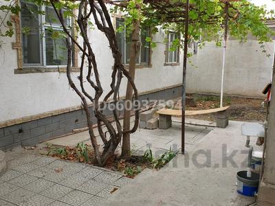 2-комнатный дом помесячно, 69 м², Аймауытова 49 а за 110 000 〒 в Шымкенте, Енбекшинский р-н