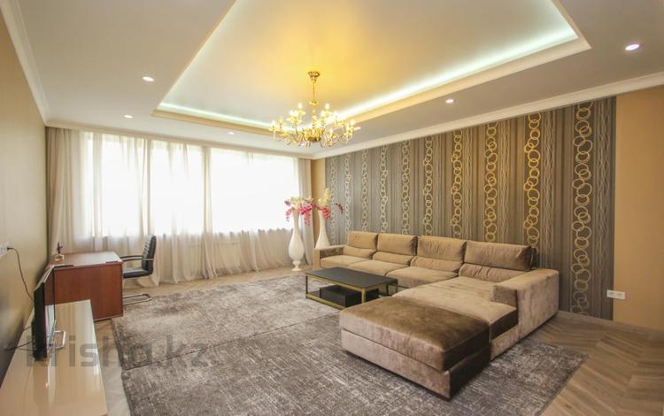 3-комнатная квартира, 136 м², 11/21 этаж, Аль-Фараби 21\7 за 88 млн 〒 в Алматы, Бостандыкский р-н
