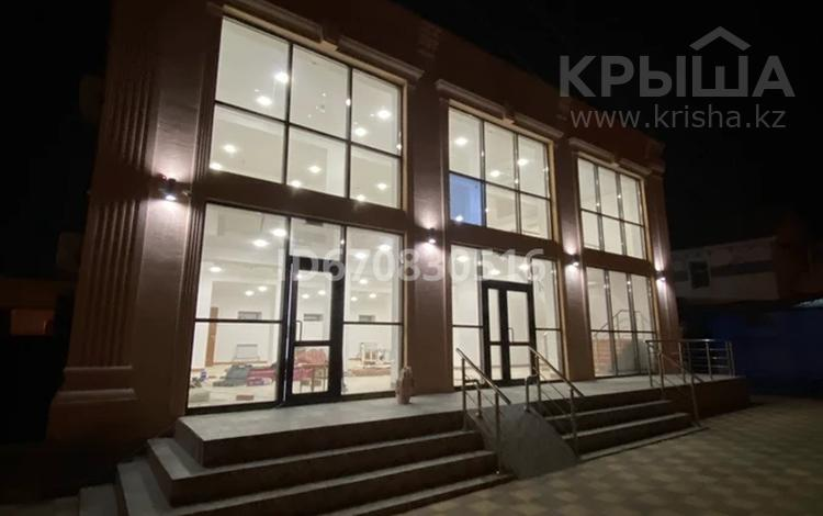 Здание, мкр Атырау — Молдагулова площадью 400 м² за 1 млн 〒
