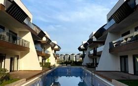 4-комнатный дом, 360 м², 4.4 сот., Дуралилер за 180 млн 〒 в Анталье