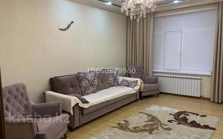 2-комнатная квартира, 65 м², 18/31 этаж посуточно, Комсомольский 5 за 15 000 〒 в Нур-Султане (Астане), Есильский р-н