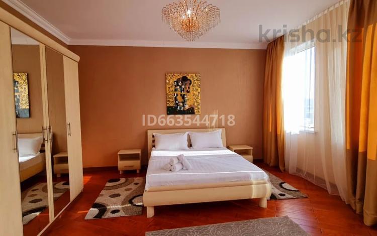 2-комнатная квартира, 100 м², 12/30 этаж посуточно, Аль-Фараби 7 — Козыбаева за 20 000 〒 в Алматы