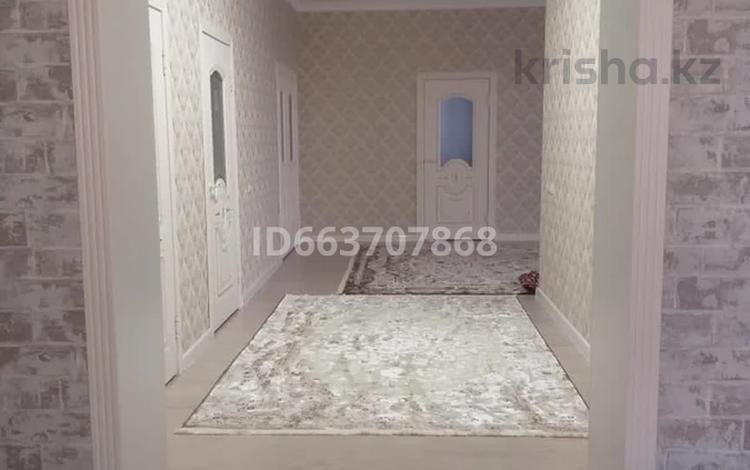 7-комнатный дом, 270 м², 8 сот., мкр Достык за 33.5 млн 〒 в Шымкенте, Каратауский р-н