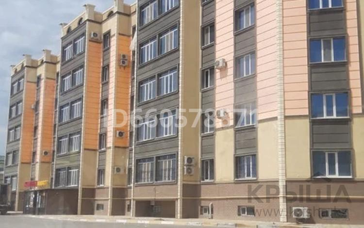 2-комнатная квартира, 60 м², 2/5 этаж, 32Б мкр, 32Б мкр 15 за 13 млн 〒 в Актау, 32Б мкр