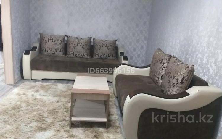 2-комнатная квартира, 44 м², 3/4 этаж посуточно, проспект Мира. 19 — Бул. Гарышкерлер. за 10 000 〒 в Жезказгане