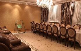 8-комнатный дом, 327 м², 7 сот., мкр Акжар 4 за 80 млн 〒 в Алматы, Наурызбайский р-н