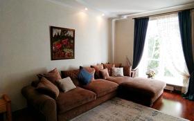 3-комнатная квартира, 82 м², 3/3 этаж помесячно, Лободы 12 за 250 000 〒 в Караганде, Казыбек би р-н