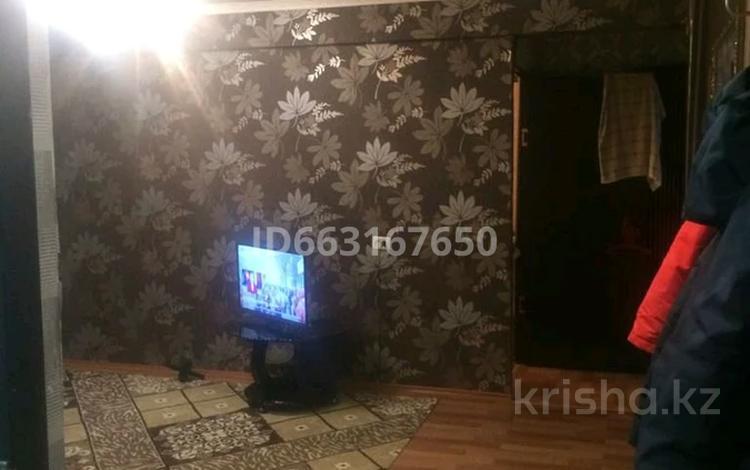 3-комнатная квартира, 58 м², 2 мкр 41 за 8.5 млн 〒 в Степногорске