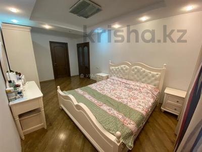 3-комнатная квартира, 60 м², 1/4 этаж, мкр №1, Мкр №1 за 19.5 млн 〒 в Алматы, Ауэзовский р-н