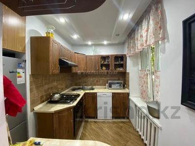 3-комнатная квартира, 60 м², 1/4 этаж, мкр №1, Мкр №1 за 19.5 млн 〒 в Алматы, Ауэзовский р-н — фото 9