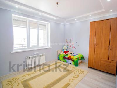 5-комнатный дом, 290 м², 10 сот., Енлик Кебек 24 — Жастар за 60 млн 〒 в Талдыкоргане — фото 13