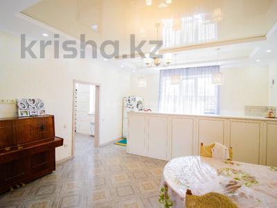 5-комнатный дом, 290 м², 10 сот., Енлик Кебек 24 — Жастар за 60 млн 〒 в Талдыкоргане — фото 17