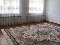 8-комнатный дом, 300 м², 18 сот., Тулпар 30/16 за 75 млн 〒 в Шымкенте, Енбекшинский р-н