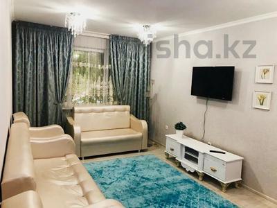 2-комнатная квартира, 52 м², 1/5 этаж посуточно, Пр. Республики 19 за 9 000 〒 в Шымкенте, Абайский р-н