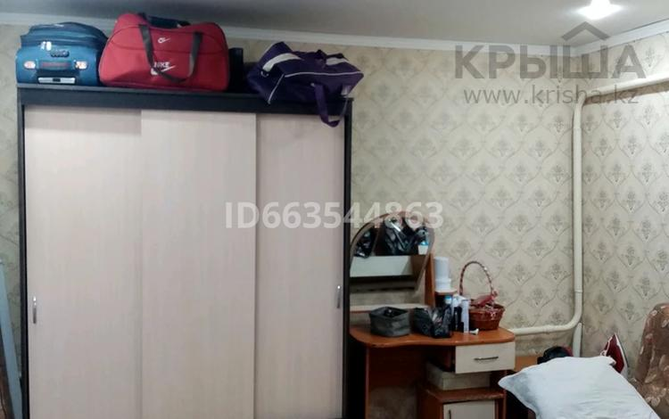 3-комнатная квартира, 70 м², 2/2 этаж, улица Кирпичный завод 1 за 7 млн 〒 в Семее