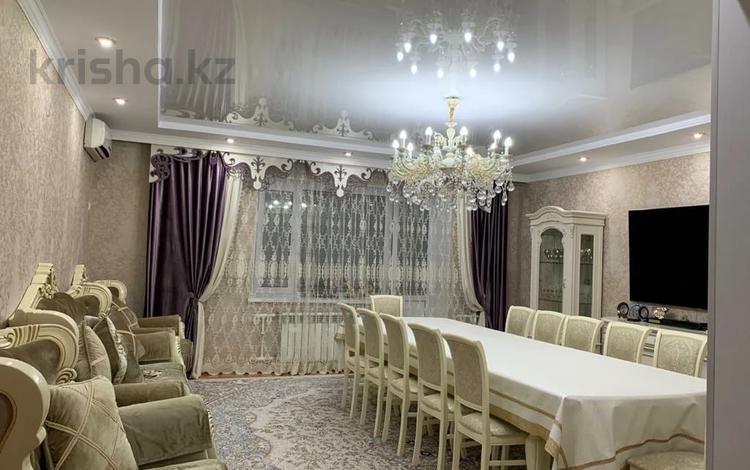 4-комнатная квартира, 134 м², 2/5 этаж, Молдагуловой 50 б за 35.5 млн 〒 в Актобе, Новый город