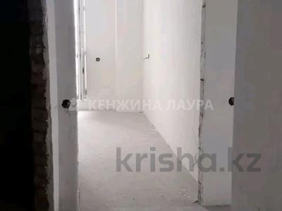 3-комнатная квартира, 101 м², 10/18 этаж, Кенесары за 27.9 млн 〒 в Нур-Султане (Астана), Сарыарка р-н — фото 11